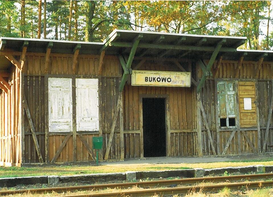 Budynek stacyjny_Bukowo_przed remontem.jpeg