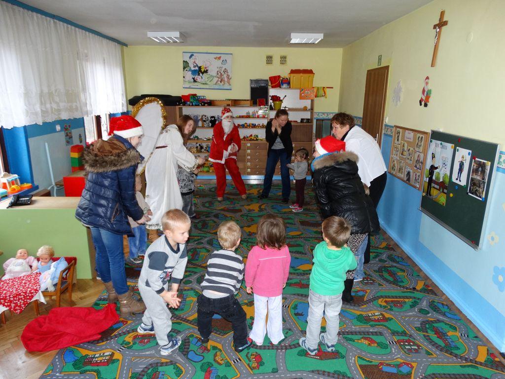 Publiczne Gimnazjum w Zagwiździu_Św.Mikołaj z wizytą w gminie Murów_IV.jpeg