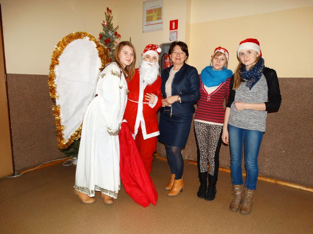 Publiczne Gimnazjum w Zagwiździu_Św.Mikołaj z wizytą w gminie Murów (10).jpeg