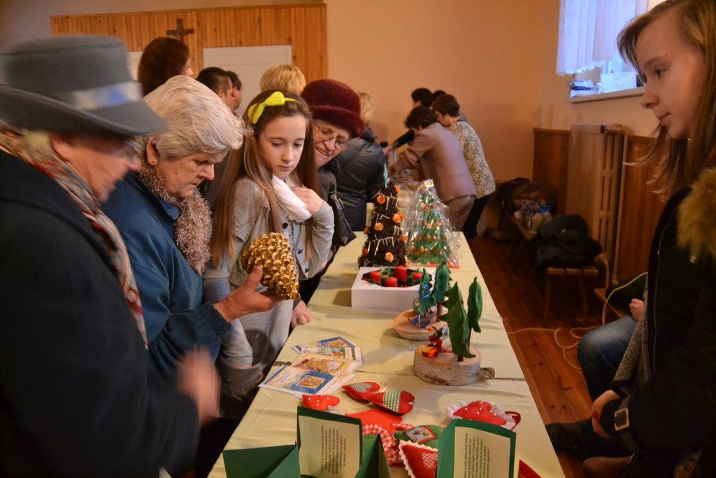 Coroczny Kiermasz Bożonarodzeniowy_PG w Zagwiździu (10) [].jpeg