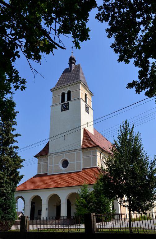 Kościół parafilany w Zagwiździu [].jpeg
